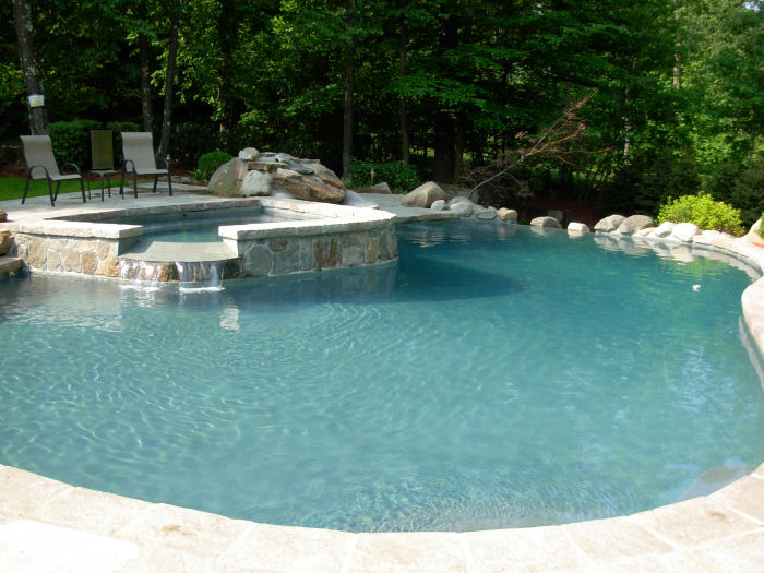 commercial pool maintainance